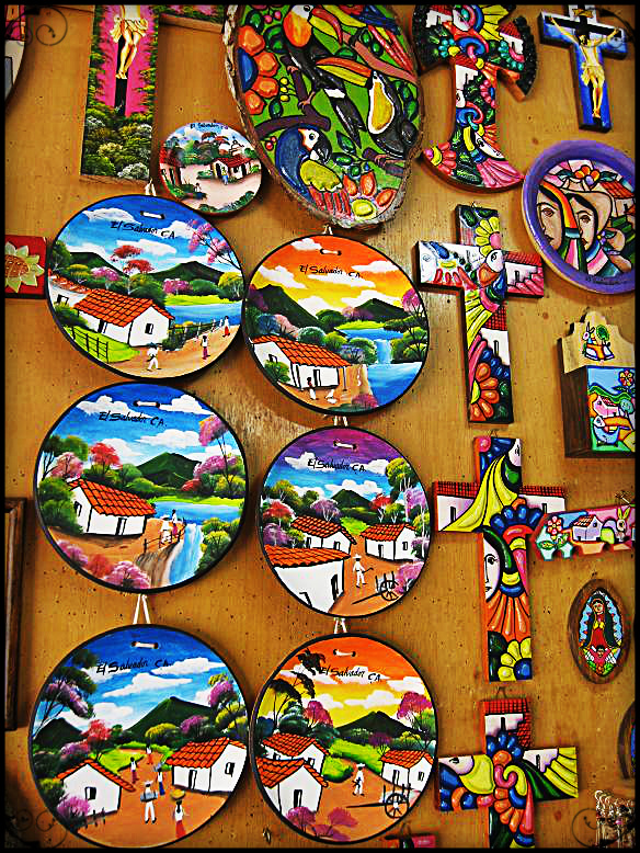 Ceramic handicrafts for sale in La Palma, El Salvador