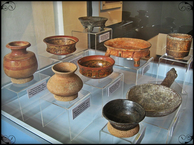 Artifacts, clay pots, Mayan artifacts, El Tazumal