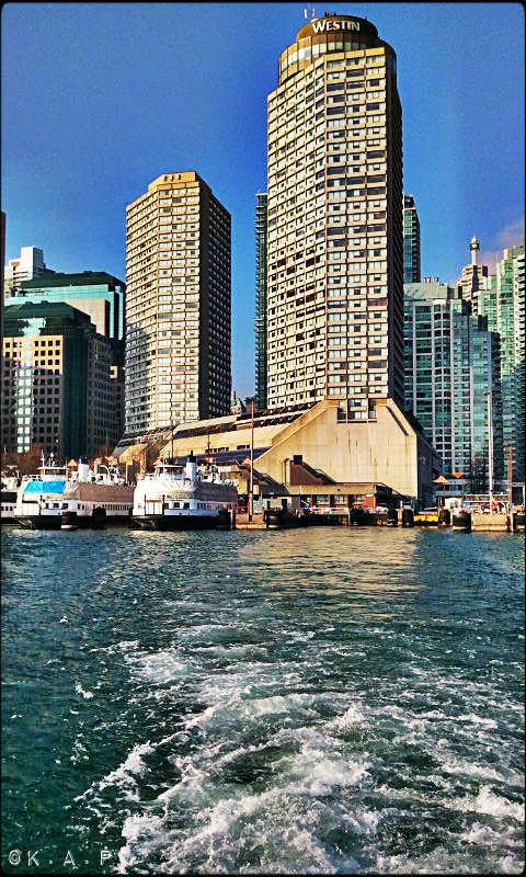 Toronto Ferry Docks, Ferry, Toronto, Queen's Quay