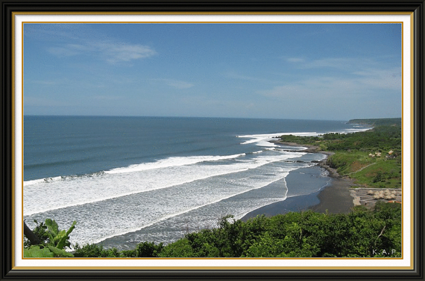 playa las flores, san miguel, el salvador, centro america, central america, beach, playa, black sand beach, surf, pacific, pacifico, olas, waves, beachthursday, photo, togs, photography, es impressive, es impresionante, oriente