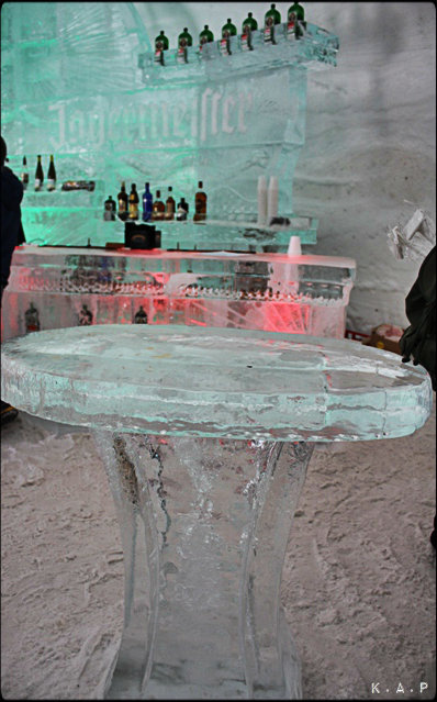 Jagermeister, ice bar, adventures, Île Notre-Dame, Beauty, BucketList, Canada, glace, hiver, ice, Montreal, Nature, outdoors, Parc Jean-Drapeau, Photo, Photography, Photos, Quebec, snow village montreal, snow. neige, Tourism, Tourism Quebec, Tourisme Québec, Travel, Views, village des neiges montréal, Winter