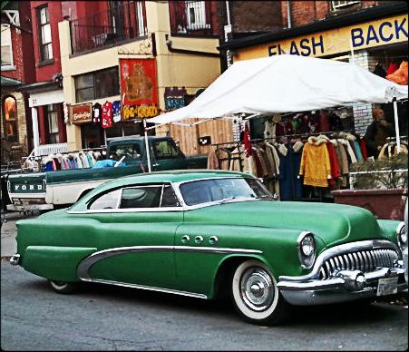 Green car, old car
