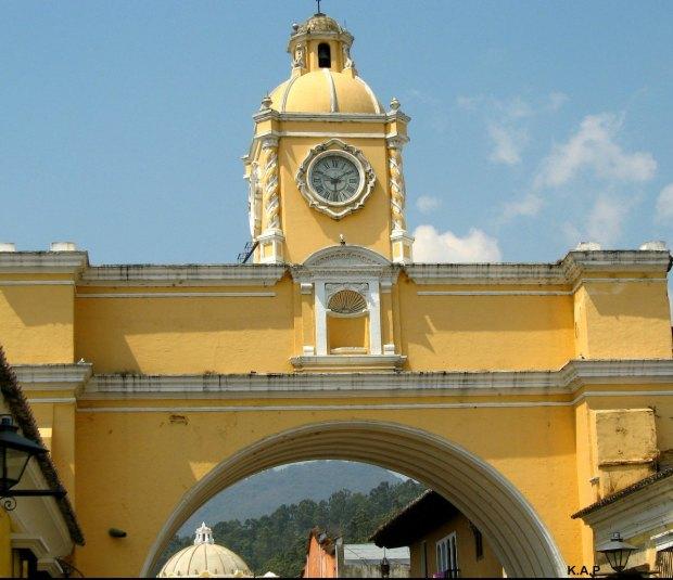 Arco Santa Catarina, Antigua Guatemala, Guatemala, Unesco World Heritage Site, Patrimonio de la humanidad, Central America, Centro America, arch, architecture