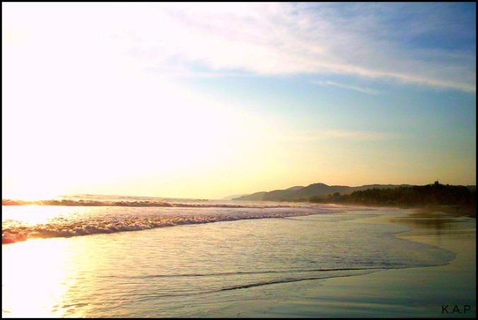 Playa El Majahual, El Salvador, Central America, black sand, black sand beach, sunset, atardecer, Pacific Ocean, Oceano Pacifico, Centro America, Visit El Salvador, ES impressive, travel, photography, nature, waves
