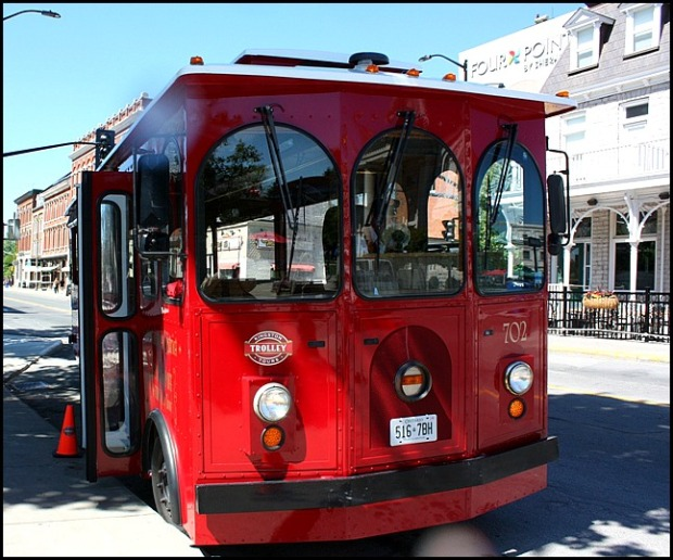 Hop on board the Kingston Trolley Bus which will take you around the main attractions in Kingston, Ontario, Canada.