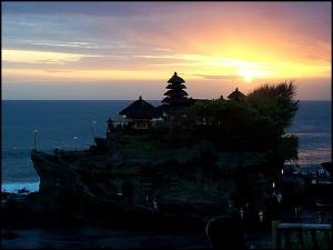 Tanah Lot, temple, Hindu Temple, prayer, Bali, Indonesia, SE Asia, spiritual center, sunset