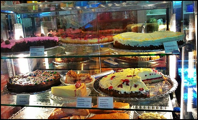 cakes, sweets, finnish cakes, bakery, café vanille, café, coffee shop, Suomenlinna, Helsinki, Finland, travel, photography