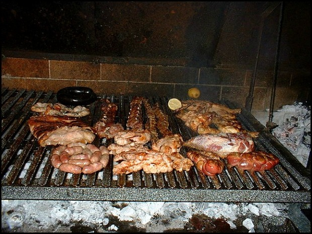 Argentinian asado, carne, meat, bbq, Argentinian bbq