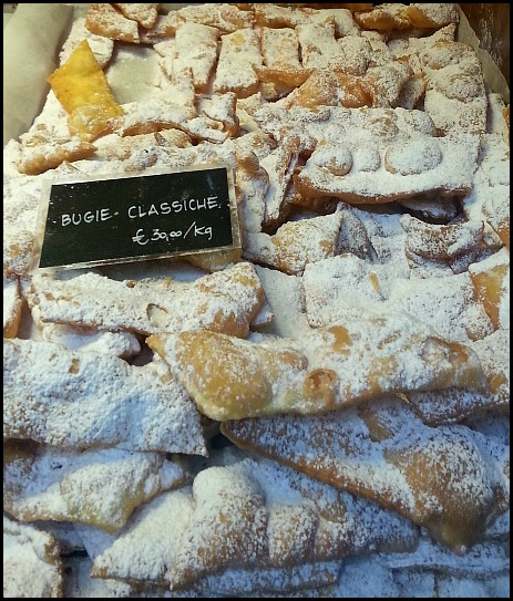 sweets, bugies, italy, italia, carnival, Ivrea carnavale, Ivrea carnival, travel, photography, foodie