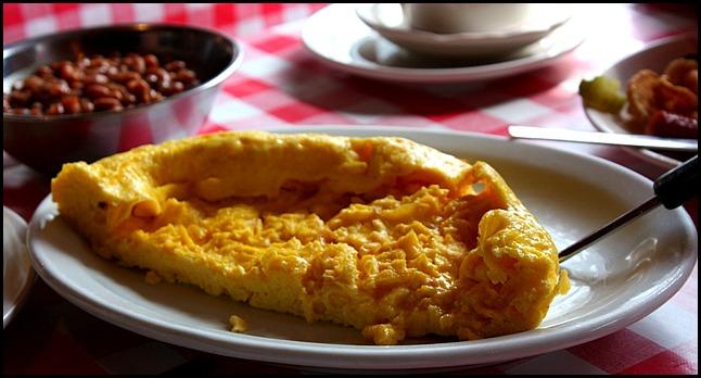 baked beans, omelet, Cabane à sucre, Constantin Grégoire, sugar shack, St-Esprit, Québec