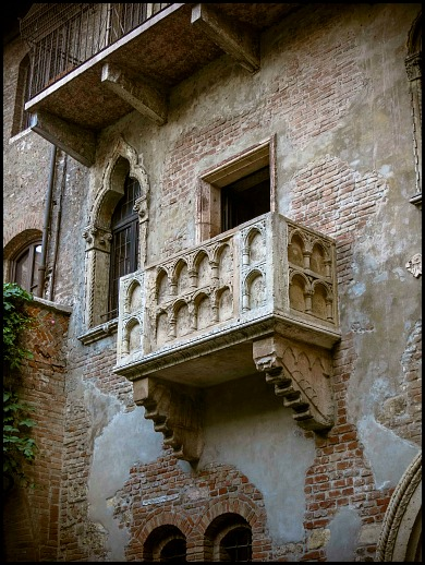 House of Juliet balcony, balcony, Romeo and  Juliet, Verona, Italy, travel, photography, view