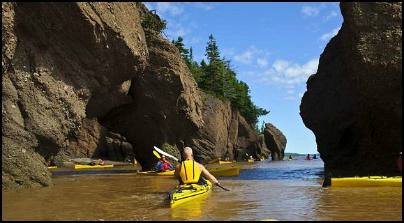 kayak, kayaking, outdoors, outdoor sports, Bay of Fundy, New Brunswick, Nouveau Brunswick, Canada, travel, sports, photography