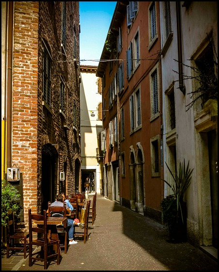 Verona, Italy, travel, photography, view, Narrow Street in Verona