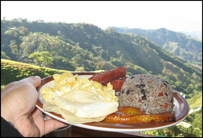 Gallo Pinto, Costa Rica, typical food, comida tipica, Tiquicia, breakfast, desayuno, foodie, food porn, food photos, travel, photography, travellersoul76