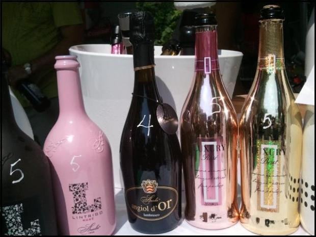 Wine, wine bottles, Terrebonne, Quebec, Lanaudiere, Festival Vins et Histoire Terrebonne 2014, Vieux-Terrebonne, TS76, photography, travel