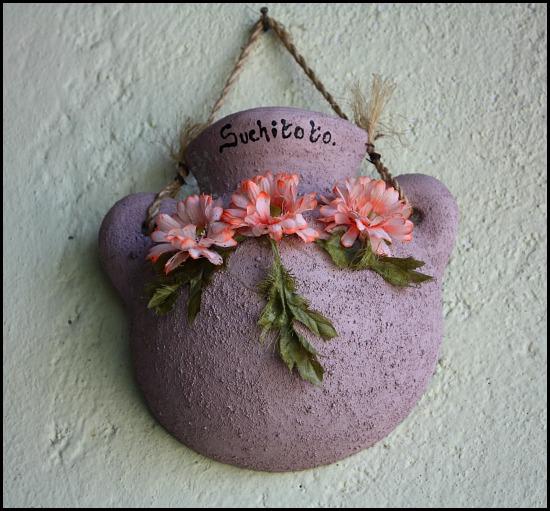 wall decor, clay pot, Suchitoto, El Salvador, travel, photography, TS76