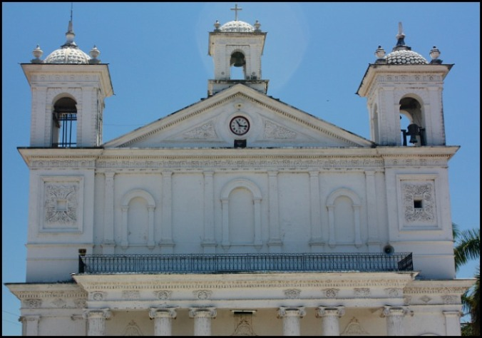 Façade, Iglesia Santa Lucia, Suchitoto, El Salvador, travel, photography, TS76