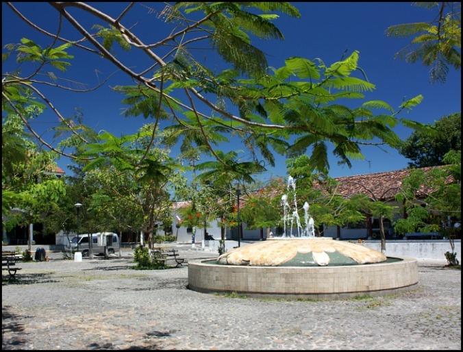 Parque Central, Suchitoto, El Salvador, travel, photography, TS76