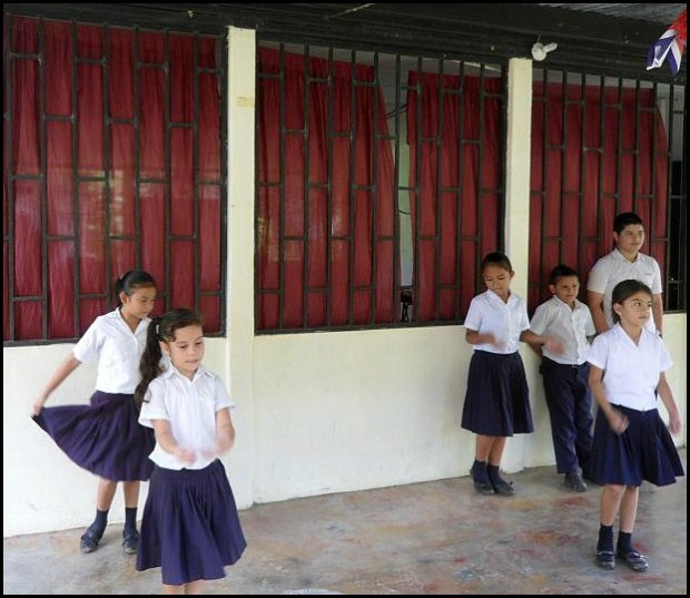 Anita School Students Dance, Anita Primary School, Costa Rica, travel, photography, TS76, Pack For a Purpose, social good