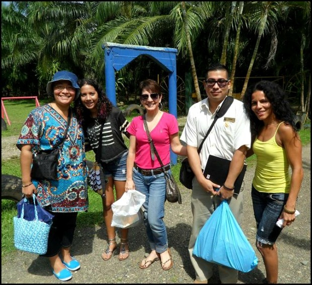 Karla, Lydia, Mia, Vanessa, Moisés, Anita Primary School, Costa Rica, travel, photography, TS76, Parador Resort & Spa and Pack For a Purpose, Pack for a Purpose, social good