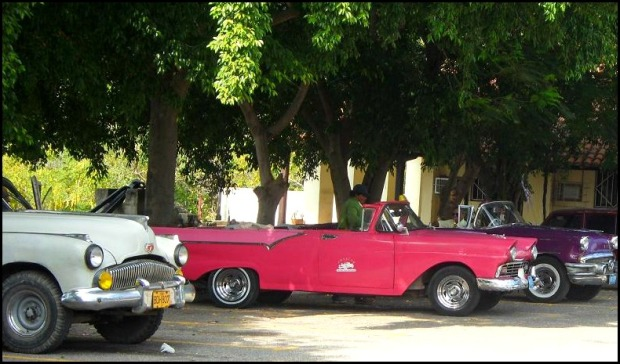 classic cars, old cars, old american cars, La Habana, Cuba, travel, photography, automobiles