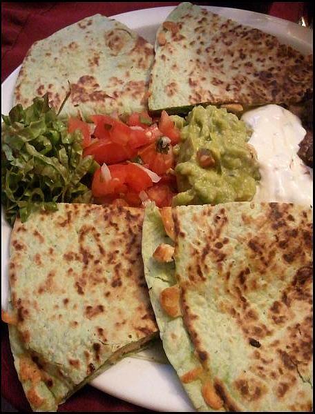 chicken quesadilla, quesadilla de pollo, foodie, food porn, gourmet food, Parador Resort and Spa, Costa Rica, travel, photography, TS76