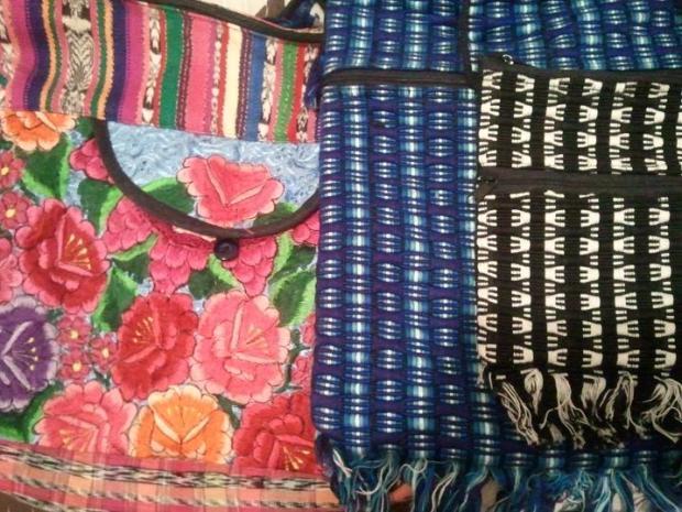 handbags, handmade bags, purses, weaving,  San Sebastian, El Salvador, central america, ruta artesanal, travel, photography