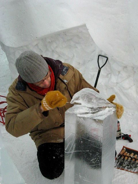artist, ice sculptor, Ice Hotel, Hôtel de Glace, Quebec, Canada, travel, photography, TS76