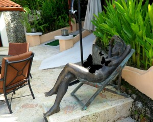 relaxing woman sculpture, sculpture, Parador Resort and Spa, Costa Rica, travel, photography, TS76