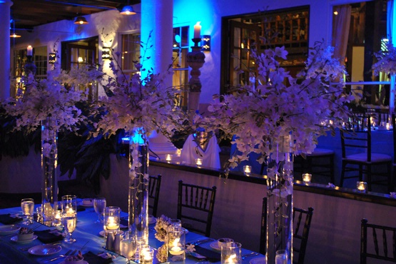 Elegant wedding table setting