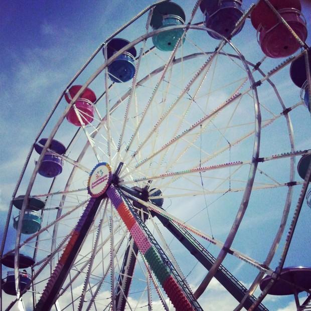 Merry go round, grande roue, Lachenaie, Quebec, Canada, ferris wheel, summer