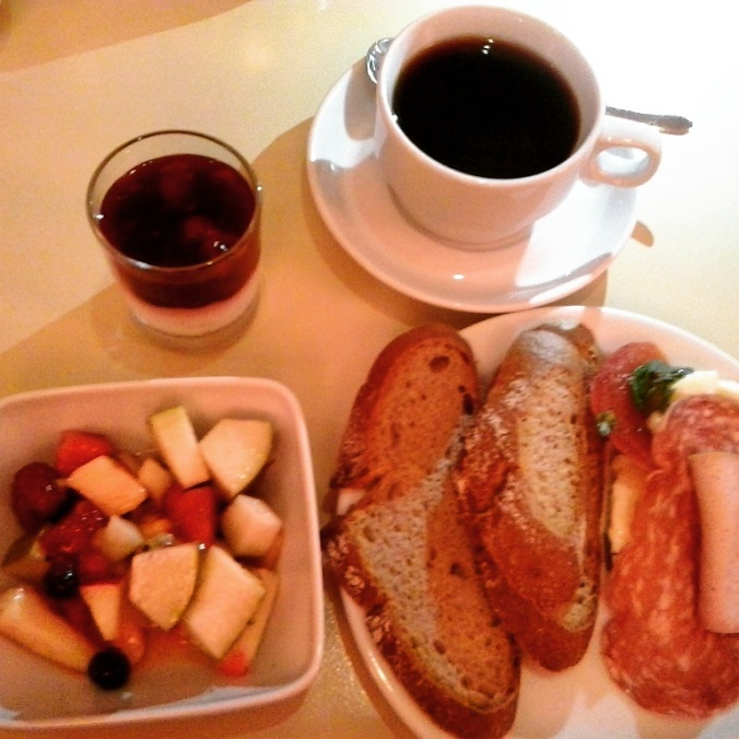 fruhstuck, breakfast, hotel drei raben, 3 raben, food, foodie, food pics, delicious, Nuremberg, Nurnberg, Germany, Deutschland,  travel, photography, Bayern, TS76