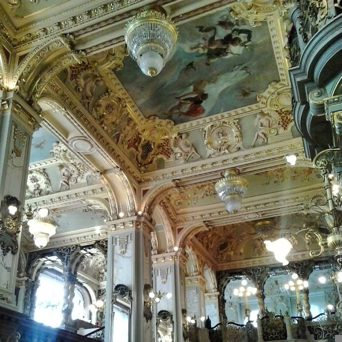 New York Café, Budapest, Hungary, café, restaurant, dining, elegant café, coffee house, travel, photography, architecture, TS76