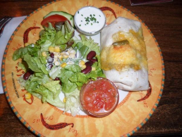 Nuremberg, Germany, Nürnberg, Deutschland, Chilli's Restaurant, Veggie Burrito, food, mexican food, foodie, travel, TS76