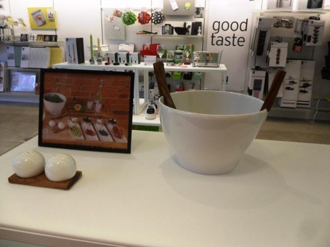 salad bowl, kitchen ware, Umbra, concept store, Toronto, Ontario, design, photography, TS76
