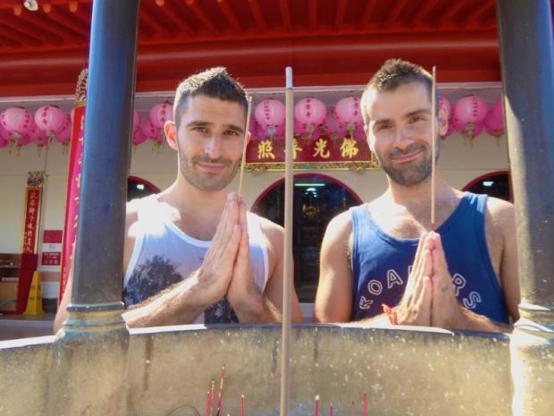 Nomadic Boys, gay travel, Malaysia, Borneo, Sabah, Jihsyh temple, photography