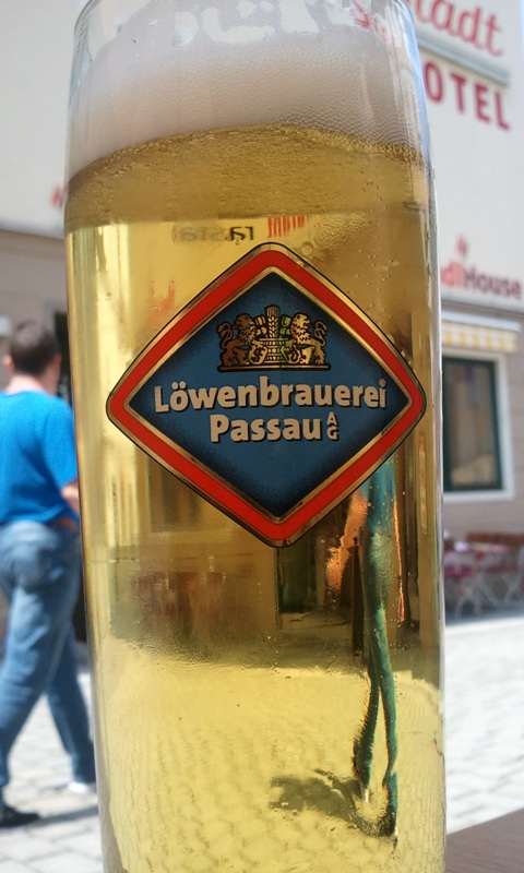 Löwenbrauerei Passau Lager, beer, bier, Selly's, Selly's vegan bar, Passau, Germany, Deutschland, Europe, Europa, river cruise, travel, photography, visit bavaria, Bayern, TS76