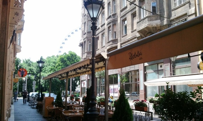 outdoor café, Budapest, Hungary, travel, architecture, photography, TS76
