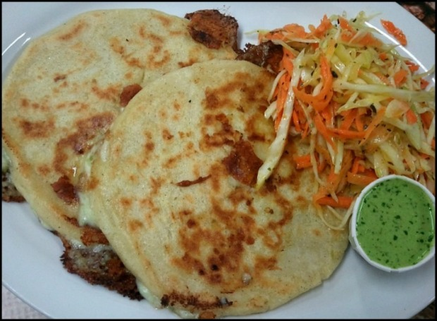 Pupusas, cheese pupusas, pupusas de queso, foodie, food, El Salvador, Salvadoran food, food photography, yum