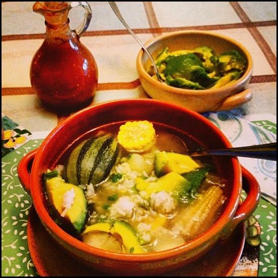 Sopa de olla, sopa de res, beef soup, soup, soup season, Honduras,  typical food, comida tipica, foodie, food porn, food photography