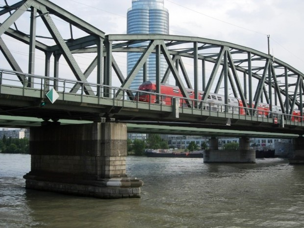 bridge, train, red train, Vienna, Austria, travel, photography