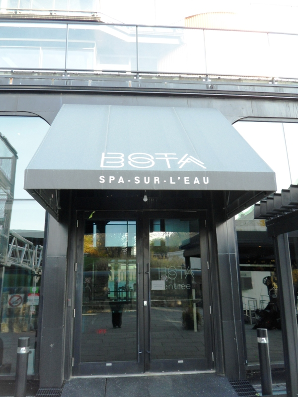 entrance, entrée, Bota Bota, Spa, Bota Bota Spa-sur-l'eau, Montreal, Quebec, Canada, wellness, spa travel, travel, photography, TS76