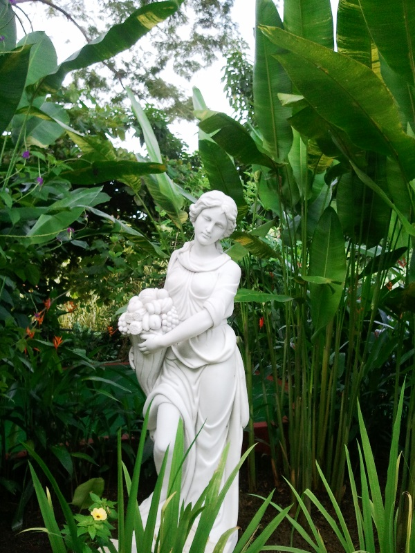 statue, garden, Parador Resort and Spa, Quepos, Costa Rica, Manuel, Antonio, hotel, travel, accommodation, luxury, luxury travel, Central America, Centro America, photography, TS76