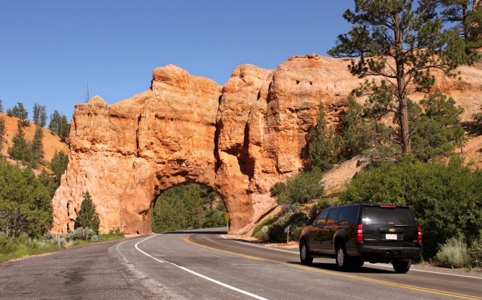 Bryce Canyon, Bryce Canyon Country, Utah, USA, Scenic Byway 12, travel, photography, arch, road