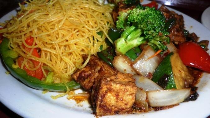 La Maison Thai, Singapore noodles, lemon basil tofu, vegetarian food, thai food, food, foodie, food photography, TS76