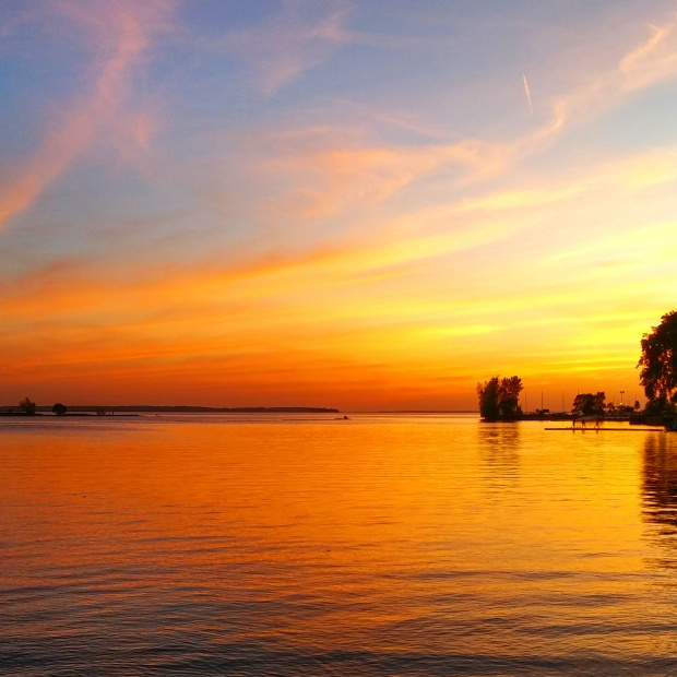 Sunset over Lac St-Louis in Lachine, Quebec, Canada. Isn't it simply stunning? Looks like a painting in the sky!