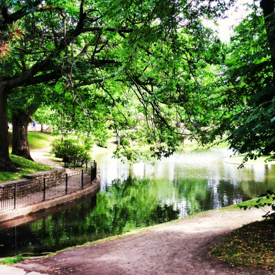 Peace and serenity. Gorgeous urban oasis in Montreal, Quebec, Canada. #travel #photography #park #city #travelblog